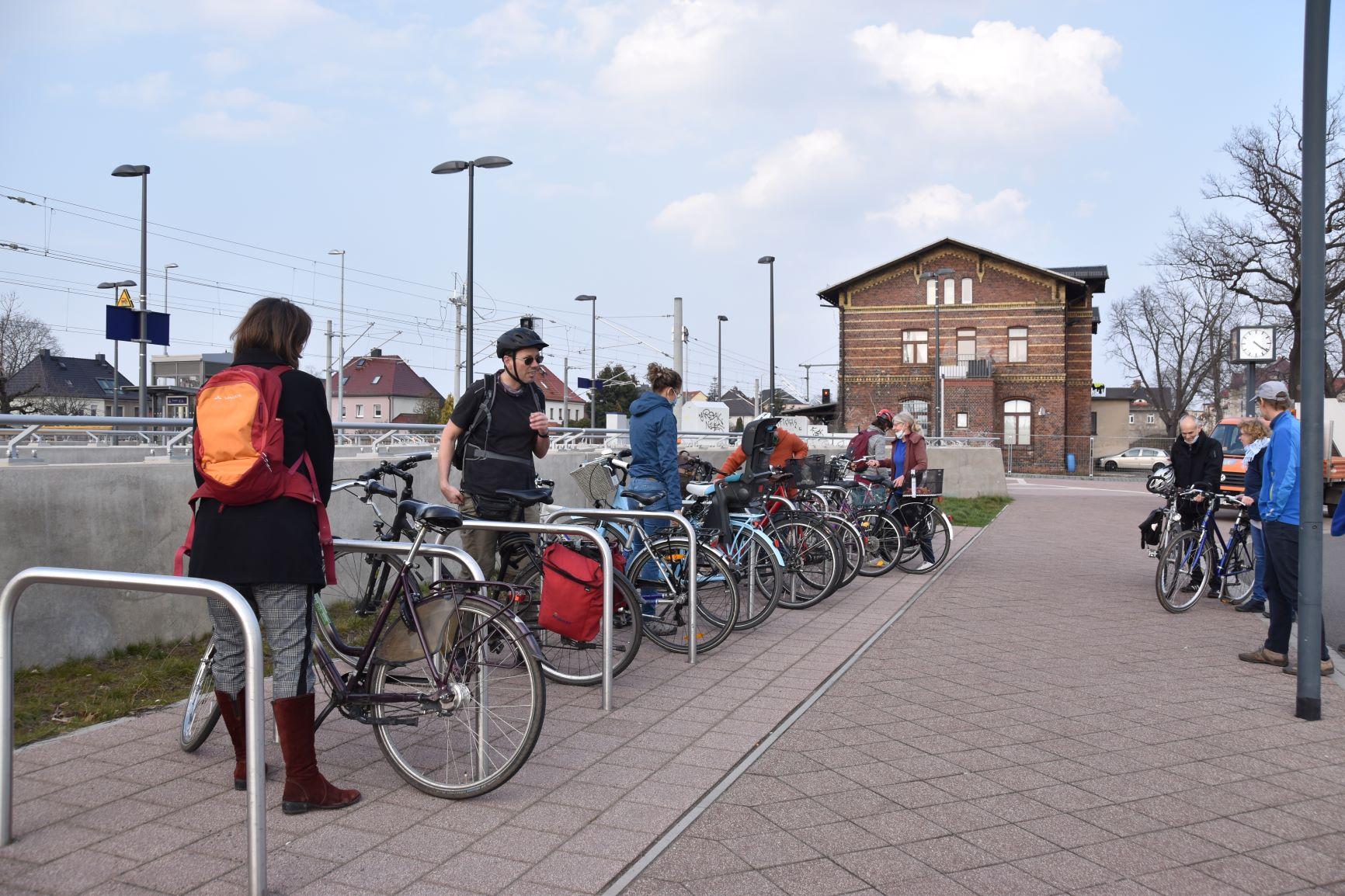 Fahrradtest am Bahnhof in Taucha